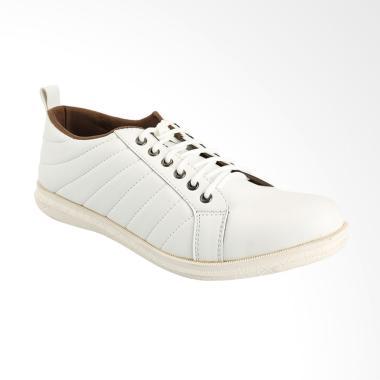 Yongki Komaladi Sepatu Pria - White [DFO-42370020-A-18]