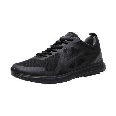 Magnum Sepatu Eagle Source · Eagle Giant Sepatu Lari Pria Hitam