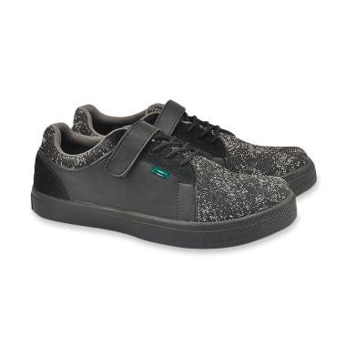 Jual Sepatu Sneakers Pria Ori - Harga   Kualitas Terbaik  13204eb951