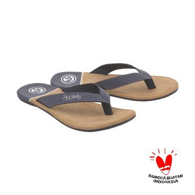 https://www.static-src.com/wcsstore/Indraprastha/images/catalog/medium//959/blackelly_blackelly-lnd-625-marema-sandal-casual-pria_full02.jpg