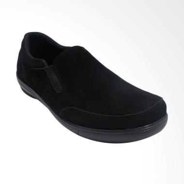 Black Shoes Suede Sepatu Slip On Pria - Hitam [A6]