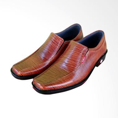 Kickers Leather Formal Sepatu Pantofel Pria