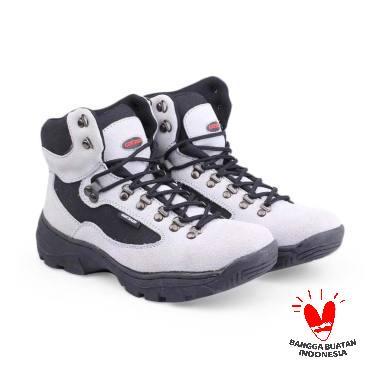 Koleksi Sepatu   Sandal Pria Branded Terbaru 2019 - Harga Murah  100 ... 616913b665