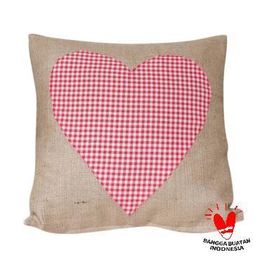 Stiletto In Style Burlap Cushion Cover - Merah