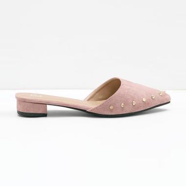 https://www.static-src.com/wcsstore/Indraprastha/images/catalog/medium//96/MTA-4382871/berrybenka_berrybenka_cathy_avva_studded_mules_sandal_wanita_-_dusty_pink_full06_ksniy8jv.jpg