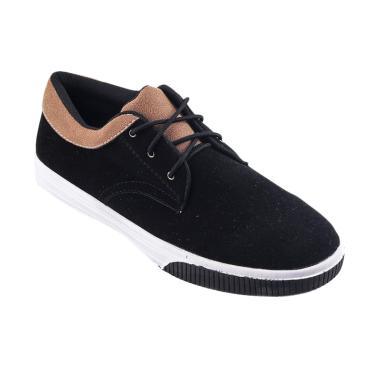NVR Carrington Low Sneakers - Black Brow .