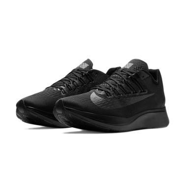 273aed5b6001 Jual Sepatu Nike Hitam Terbaru - Harga Promo   Diskon