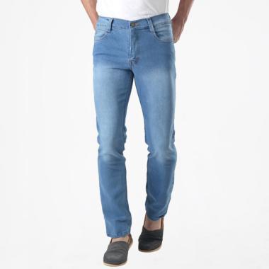 Jual Celana Jeans   Denim Pria Model Baru 2019 - Harga Menarik ... ff4c5654f7