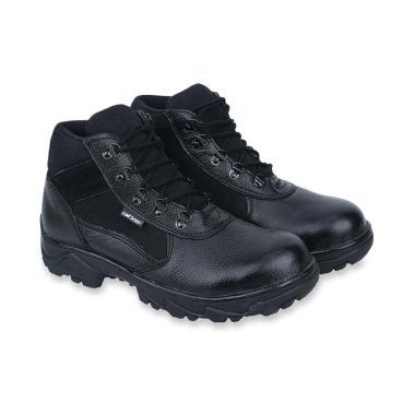 Koleksi Sepatu   Sandal Pria Branded Terbaru 2019 - Harga Murah  100% Asli   37a72343ab
