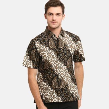 https://www.static-src.com/wcsstore/Indraprastha/images/catalog/medium//98/MTA-3219758/anakara-batik-men_anakara-batik-men-razade-kemeja-lengan-pendek-pria---white-brown_full05.jpg