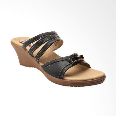 https://www.static-src.com/wcsstore/Indraprastha/images/catalog/medium/MTA-1862050/carvil_carvil-51-fzy-003-05-fuzy-03-l-ladies-casual-sandal-wanita---black_full07.jpg