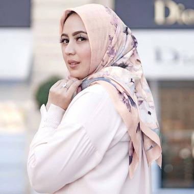Buttonscarves Le Fleur Square Jilbab Segiempat Wanita - Peach Fressia
