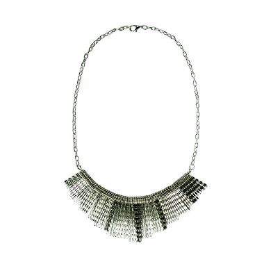 https://www.static-src.com/wcsstore/Indraprastha/images/catalog/medium/cherise-paxton_cherise-paxton-dove-style-kalung---silver_full06.jpg