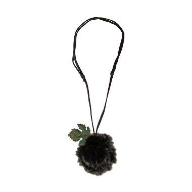 https://www.static-src.com/wcsstore/Indraprastha/images/catalog/medium/cherise-paxton_cherise-paxton-fabiola-style-necklace-kalung---black_full04.jpg