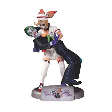 DC Comics Bombshells The Joker And Harley Quinn Statue Action Figure