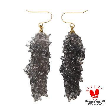 Environmental Jewelry Long Black Stone Golden Hook Earring