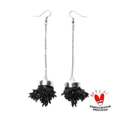Environmental Jewelry Round Black Stone With Silver Chain Earring