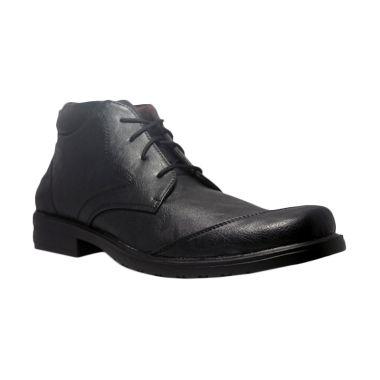 https://www.static-src.com/wcsstore/Indraprastha/images/catalog/medium/island-shoes_d-island-shoes-office-loafers-mens-leather-black-sepatu-pria_full01.jpg