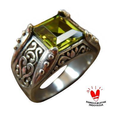Jnanacrafts Kotak Batu Peridot Cincin Perak