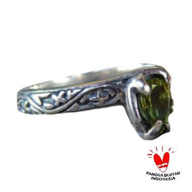 Jnanacrafts Motif Ukiran Simpel Batu Peridot Cincin Perak