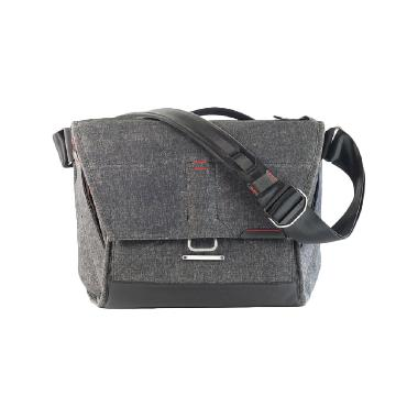 Peak Design Everyday Messenger Charcoal Tas Kamera - Abu-Abu [13 inch]