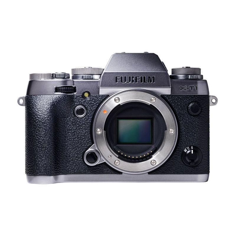 Fujifilm X-T1 Graphite Silver Body  ... are SP-2 Gold + SDHC 16GB