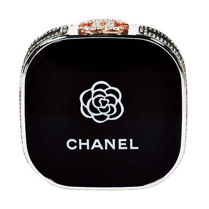 Jual Unicorn Mobilstrar Chanel with Swarovski Black Powerbank [12000 mAh] Harga Rp 261250. Beli Sekarang dan Dapatkan Diskonnya.