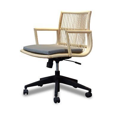 VIVERE Matala Swivel Chair - Nat/Black Ash (S)