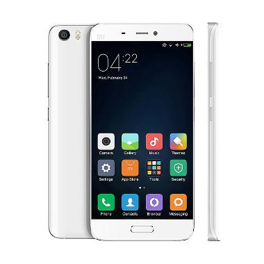 https://www.static-src.com/wcsstore/Indraprastha/images/catalog/medium/xiaomi_xiaomi-mi5-smartphone---white--32gb-_full02.jpg