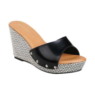 Yongki Komaladi SRLN 650001 Hitam Sepatu Wanita